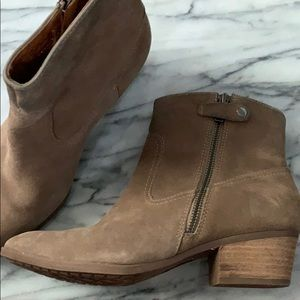 Sofft ankle booties